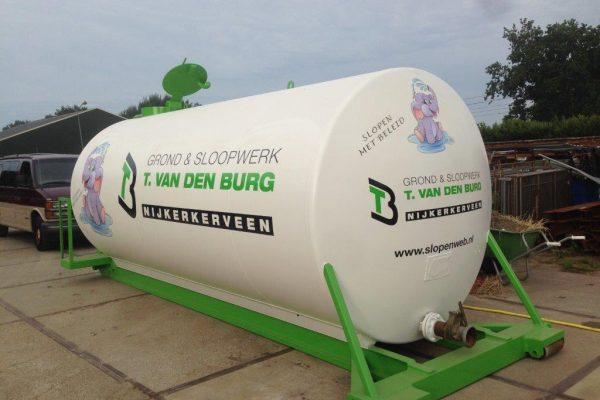 Tankbelettering voor bedrijfsgegevens op gastank of andere tanks Dimlicht Dimension Lichtreklame